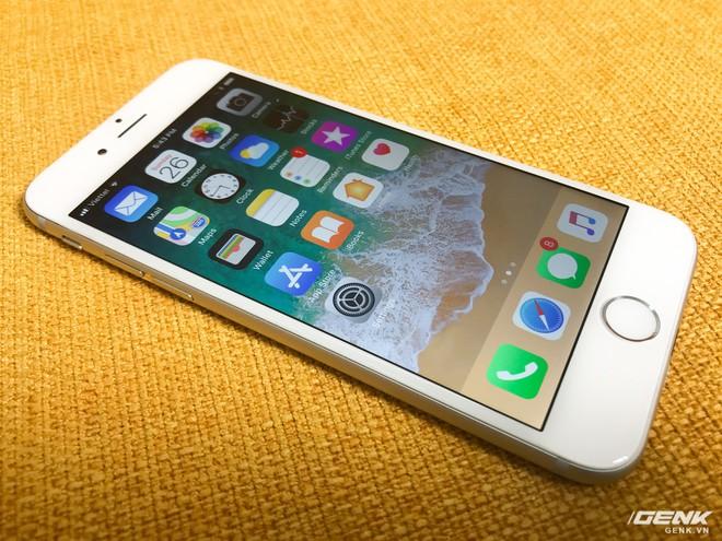 Màn hình của iPhone 6 tuy chỉ sử dụng công nghệ IPS LCD và độ phân giải hết sức bình thường, nhưng vẫn đủ đẹp để làm hài lòng đa số người dùng