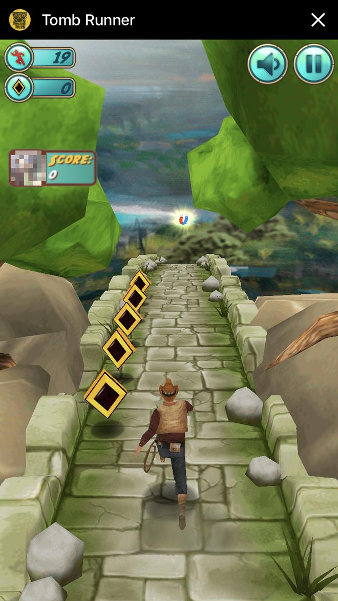 Hay ngay cả những trò chơi phức tạp để ganh đua điểm số như Tomb Runner chẳng hạn