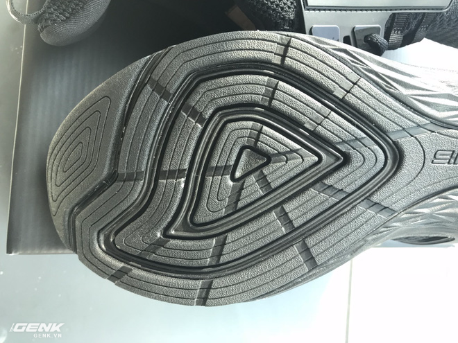Đánh giá chi tiết 1 trong 100 đôi Bitis Hunter X Midnight Black đầu tiên: đế giống Nike đến lạ, chất lượng tốt, giá chưa đến 1 triệu - Ảnh 22.