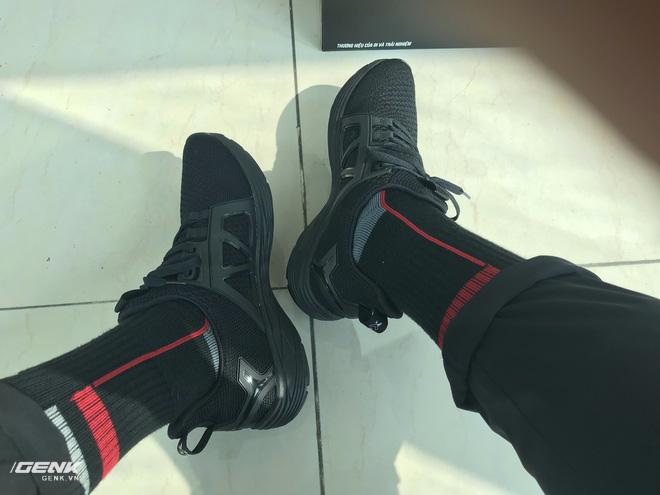 Đánh giá chi tiết 1 trong 100 đôi Bitis Hunter X Midnight Black đầu tiên: đế giống Nike đến lạ, chất lượng tốt, giá chưa đến 1 triệu - Ảnh 37.