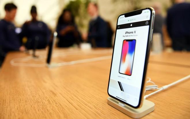 iPhone X đang bán chậm hơn dự kiến