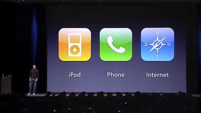 Tích hợp iTunes vào một chiếc điện thoại có Internet, Steve Jobs đã ký giấy khai tử cho iPod.