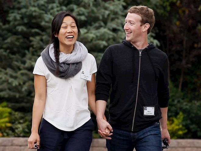 Vợ chồng ông chủ Facebook tiêu tiền như thế nào? - Ảnh 13.