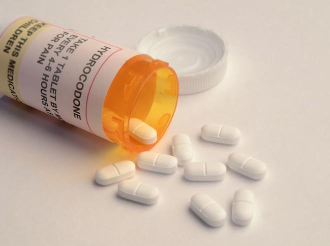 Các bác sĩ tại Anh Quốc hiện buộc phải tham gia các khóa huấn luyện về sử dụng thuốc theo yêu cầu của