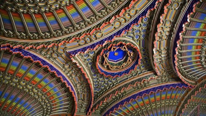 Đây là 10 trần nhà đẹp nhất thế giới, ngắm mỏi cổ cũng không thấy chán - Ảnh 1.
