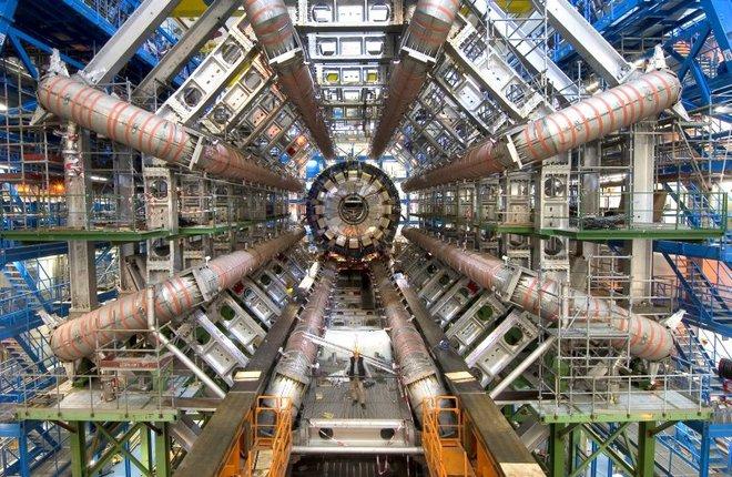 Máy dò hạt ATLAS, một phần của LHC, từng đi vào lịch sử với tư cách nơi đầu tiên tìm ra hạt Higgs