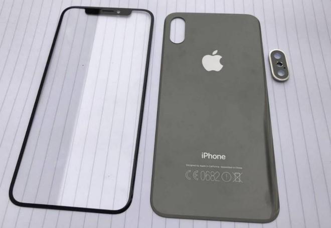 Thiết kế iPhone 8 rò rỉ hồi đầu tháng.