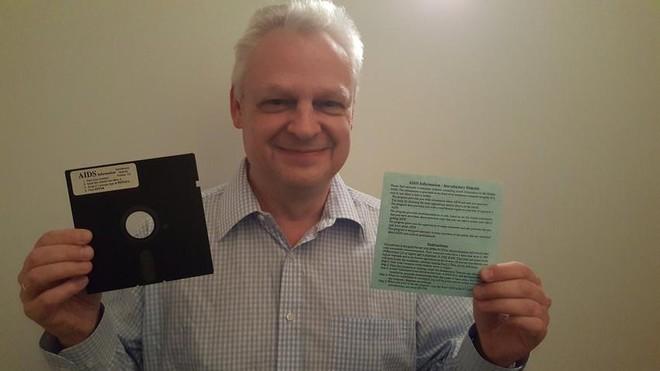 Eddy Willems và chiếc đĩa chứa ransomware đầu tiên trên thế giới