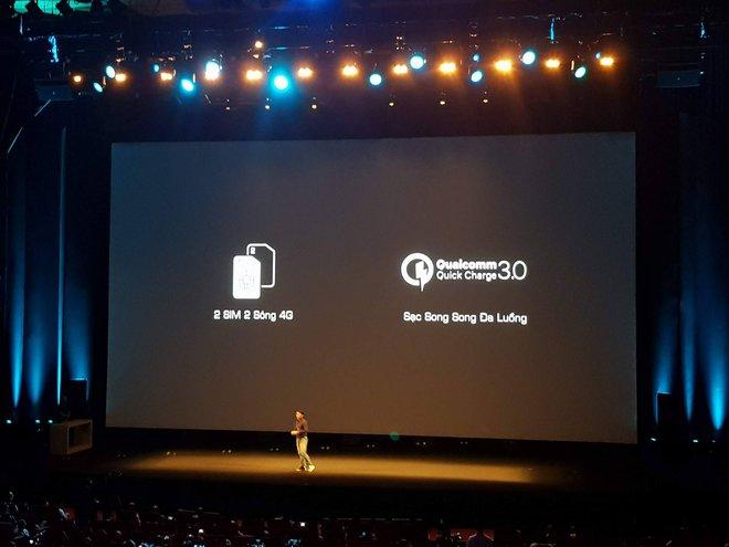 Máy có thể cắm cùng lúc 2 SIM 2 sóng 4G và công nghệ sạc nhanh Quickcharge 3.0 từ qualcomm.