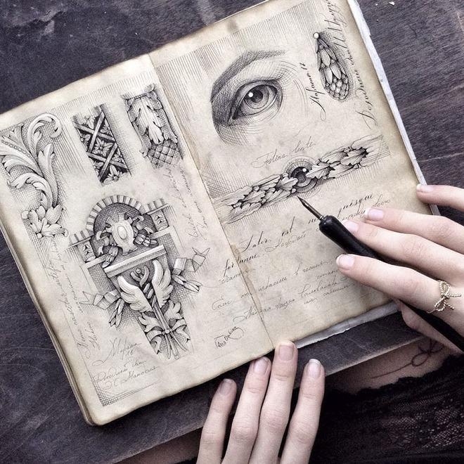 Sử dụng bút chấm mực (dip pen), các trang vẽ của Limkina có hơi hướng cổ điển...