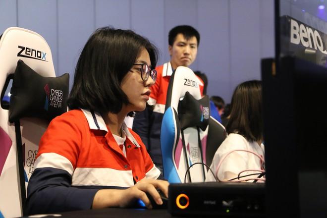 Cuộc sống đầy gian truân của các nữ game thủ chuyên nghiệp Trung Quốc, mỗi ngày tập luyện 8 tiếng, xinh đẹp, hát hay, múa giỏi mới được ưu tiên - Ảnh 7.