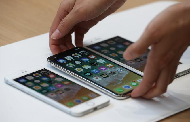Người dùng sẽ lựa chọn iPhone X thay vì iPhone 8 và 8 Plus.