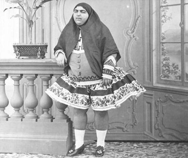 Anis al-Doleh - người vợ được sủng ái nhất của quốc vương Nasser al-Din Shah