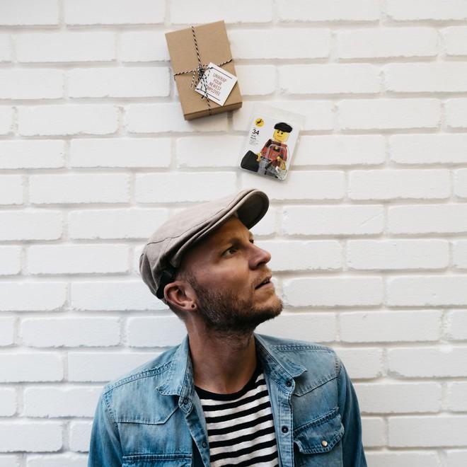 Andy Morris - nhà thiết kế tự khắc họa bản thân qua LEGO CV