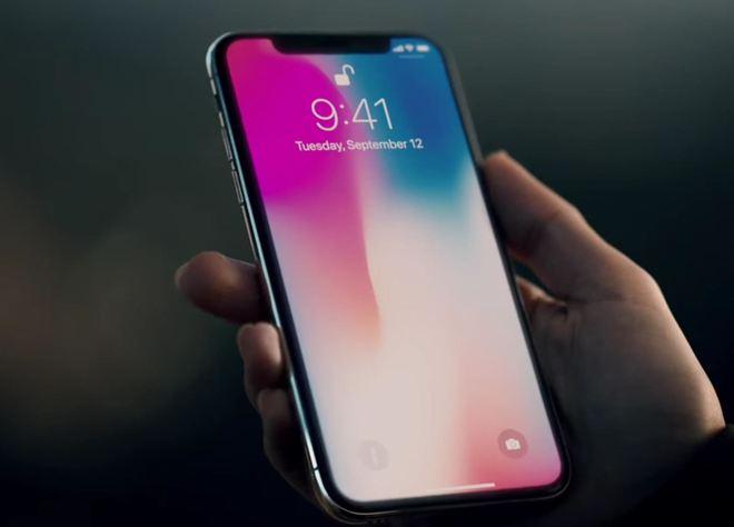 Thiết kế mới của iPhone X để lại một cái rãnh ở cạnh trên.