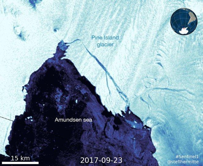 Hình ảnh từ vệ tinh Sentinel1 cho thấy tảng băng trôi trên sông băng đảo Pine có diện tích khoảng 267km2