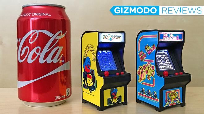 Tiny Arcade - Móc khóa kiêm máy game thùng tí hon, nhỏ hơn lon Coca nhưng vẫn chiến game rất tốt