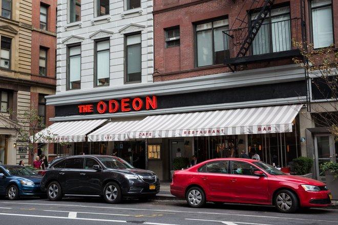 Nhà hàng The Odeon được gắn sao ẩm thực Michelin, được khai trương vào năm 1980, từng là là nơi lui đến của khá nhiều nghệ sĩ nổi tiếng như Andy Warhol