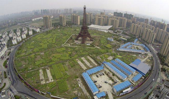 Những công trình nổi tiếng thế giới bị Trung Quốc photocopy không thương tiếc - Ảnh 6.