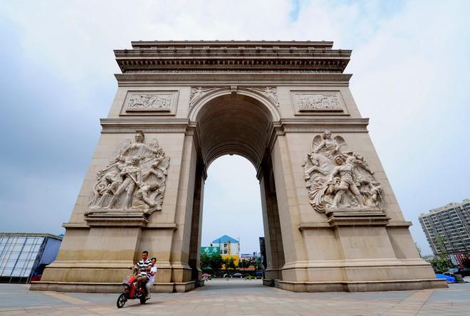 Những công trình nổi tiếng thế giới bị Trung Quốc photocopy không thương tiếc - Ảnh 10.