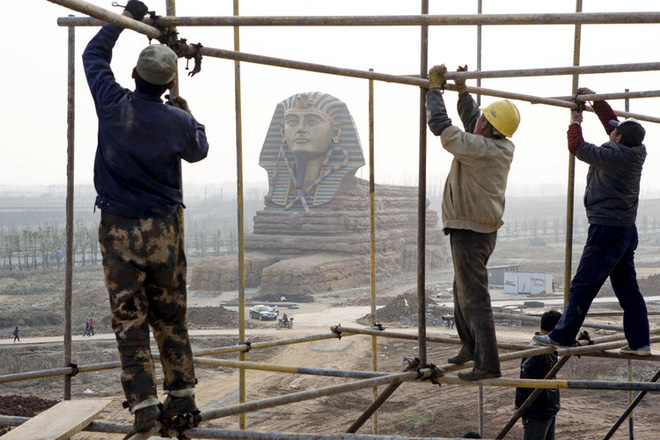 Những công trình nổi tiếng thế giới bị Trung Quốc photocopy không thương tiếc - Ảnh 11.