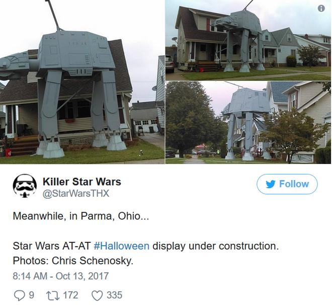 Ngay cả Killer Star Wars, một tài khoản twitter được lập nên chỉ để chia sẻ về hình ảnh của Star Wars 24/7, cũng đã tweet về chú Robot khổng lồ đang trong quá trình xây dựng để kịp lễ Halloween