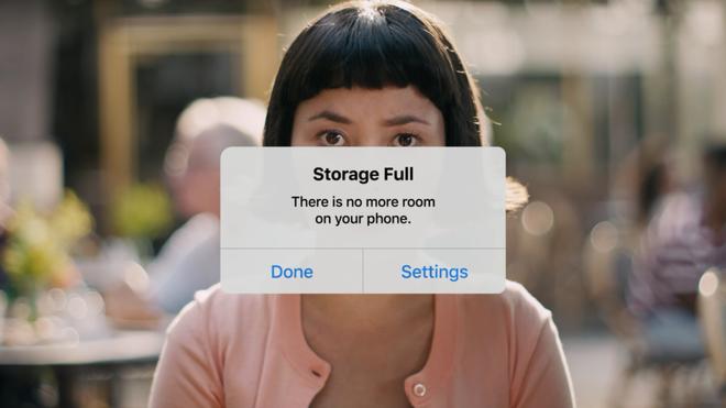 Google không quên đá xoáy điểm yếu của đối thủ iPhone.