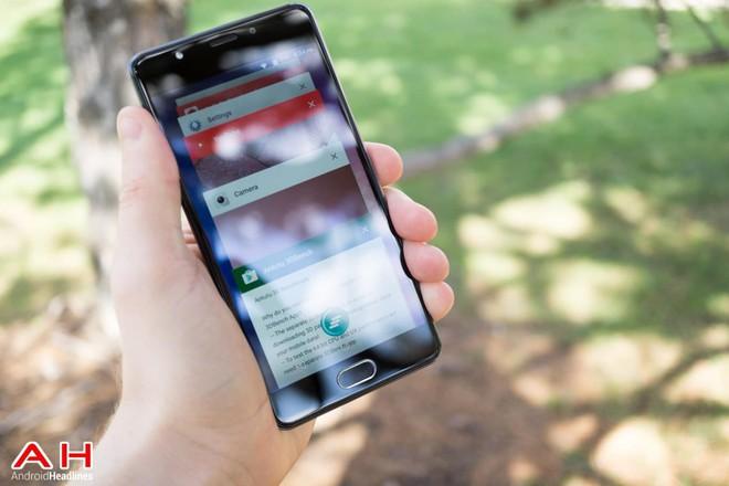 Blue Life One X2 là một trong những thiết bị Android giá rẻ nhưng có nhiều tính năng cao cấp như thiết kế kim loại, sạc nhanh, máy quét vân tay một chạm