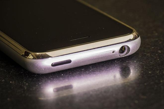 iPhone được xem là chiếc điện thoại tái định nghĩa điện thoại di động.