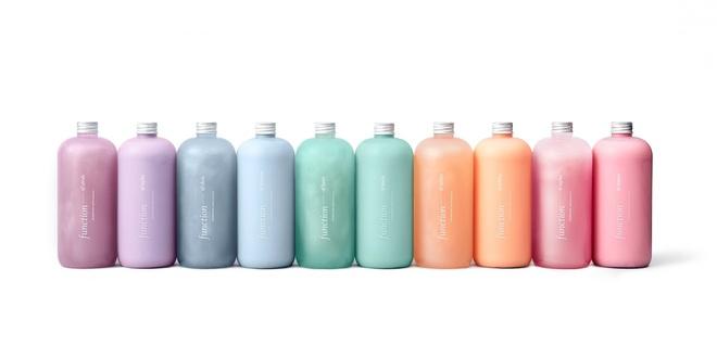 Đây là những sản phẩm đươc tạo ra nhờ viêc kết hợp từ 5 màu sắc và 4 mùi hương khác nhau. Bạn có thể tuỳ ý lựa chọn sản phẩm, bạn muốn dùng thử.