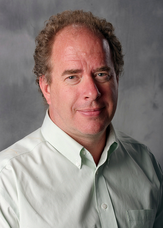 Tác giả của hai bài nghiên cứu - Peter Noble