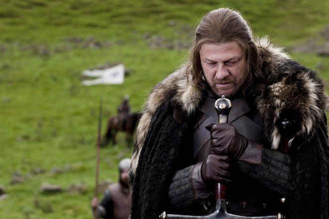 Sean Bean trong vai Lãnh chúa Eddard Stark ở phần 1 của bộ phim.