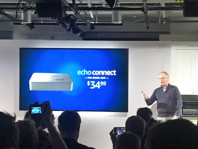 Amazon trình làng Echo Connect, thiết bị biến loa thông minh Echo trở thành điện thoại bàn, giá 35 USD - Ảnh 1.