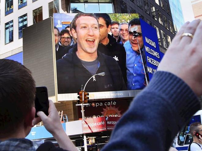 Vợ chồng ông chủ Facebook tiêu tiền như thế nào? - Ảnh 1.