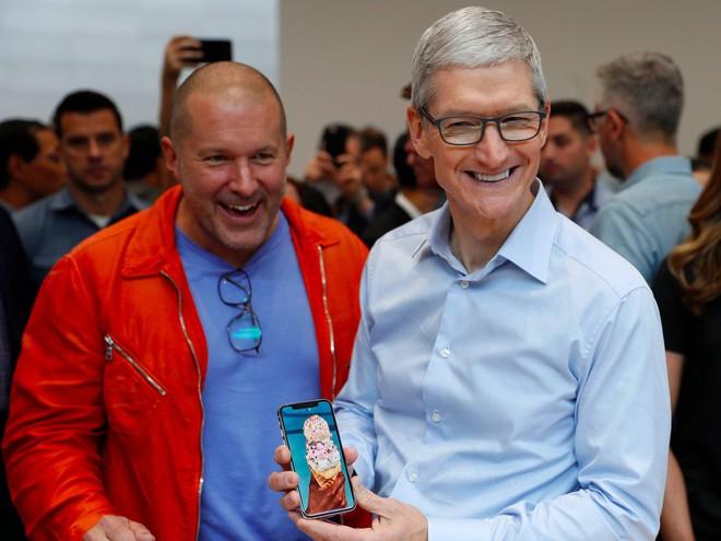 Tim Cook tin rằng bạn sẽ mua được iPhone nếu nhịn cà phê, hoặc trà sữa.