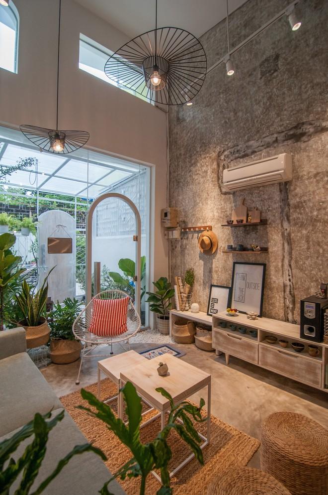 Nha Trang House: Nhà cấp 4 như phòng trọ sinh viên bỗng biến thành tổ ấm lứa đôi nhờ cải tạo kiến trúc - Ảnh 6.