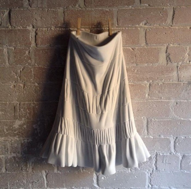 Không chỉ để tạc tượng, đá cẩm thạch còn dùng để may quần áo, đóng giày - Ảnh 4.
