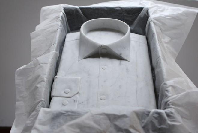 Không chỉ để tạc tượng, đá cẩm thạch còn dùng để may quần áo, đóng giày - Ảnh 8.