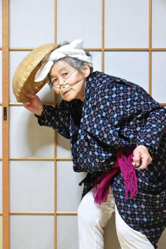 Cụ bà 89 tuổi người Nhật khiến cả thế giới phát sốt với bộ sưu tập ảnh tự chụp cực kỳ hài hước - Ảnh 13.