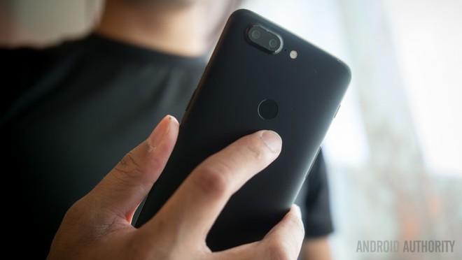 OnePlus 5T chính thức: Màn hình 18:9 viền mỏng, camera kép được thiết kế lại, giá 500 USD, có Face Unlock giống iPhone X - Ảnh 2.