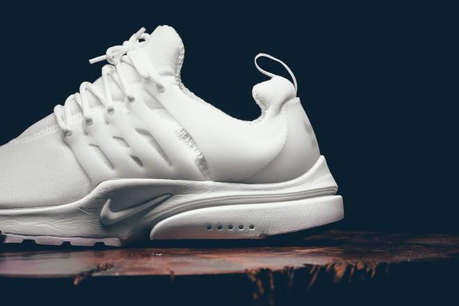 Cả Việt Nam đi Stan Smith hết rồi, đây là 3 đôi sneakers trắng để bạn đổi gió cho đỡ đụng hàng - Ảnh 25.