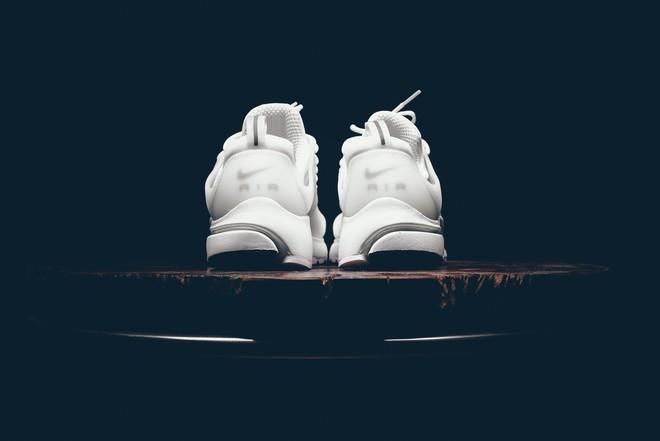 Cả Việt Nam đi Stan Smith hết rồi, đây là 3 đôi sneakers trắng để bạn đổi gió cho đỡ đụng hàng - Ảnh 26.