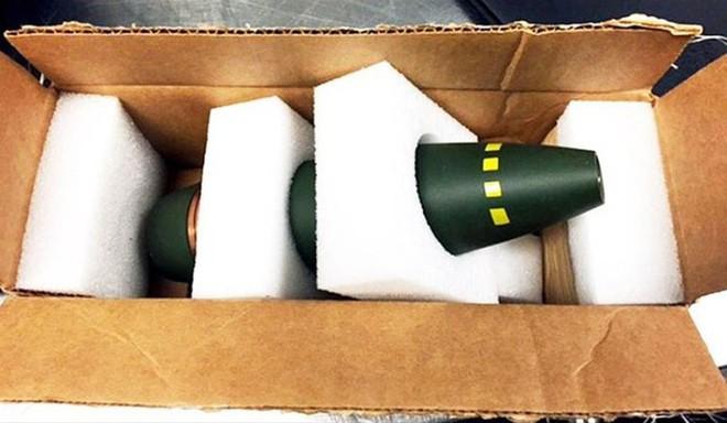 ...cho đến những vũ khí có kích thước siêu to như quả tên lửa này chẳng hạn. Tất cả đều đã bị thu giữ bởi cơ quan TSA