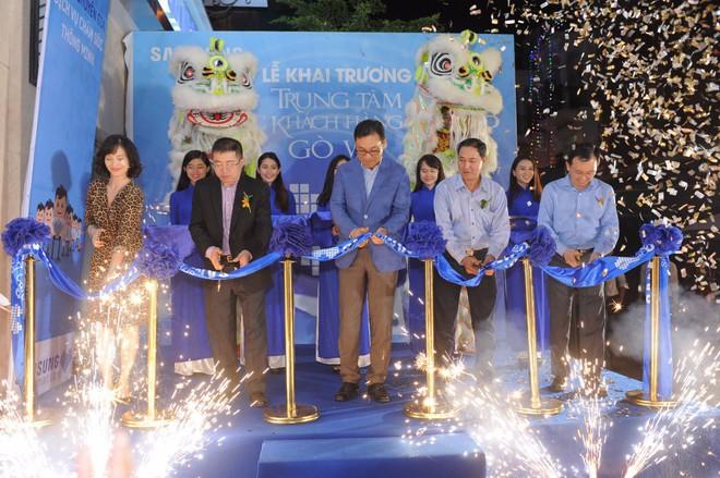 Samsung khai trương Trung tâm Chăm sóc Khách hàng Cao cấp tại Tp. Hồ Chí Minh, đa dạng hóa trải nghiệm cho người dùng - Ảnh 1.
