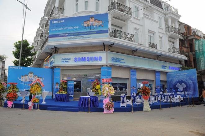 Samsung khai trương Trung tâm Chăm sóc Khách hàng Cao cấp tại Tp. Hồ Chí Minh, đa dạng hóa trải nghiệm cho người dùng - Ảnh 2.