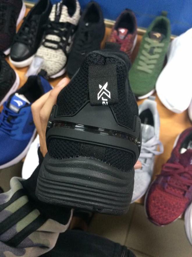 Đánh giá chi tiết 1 trong 100 đôi Bitis Hunter X Midnight Black đầu tiên: đế giống Nike đến lạ, chất lượng tốt, giá chưa đến 1 triệu - Ảnh 2.