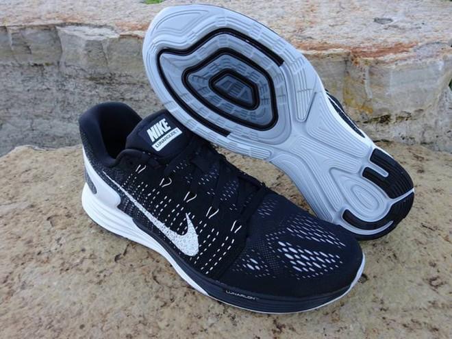 Đánh giá chi tiết 1 trong 100 đôi Bitis Hunter X Midnight Black đầu tiên: đế giống Nike đến lạ, chất lượng tốt, giá chưa đến 1 triệu - Ảnh 25.