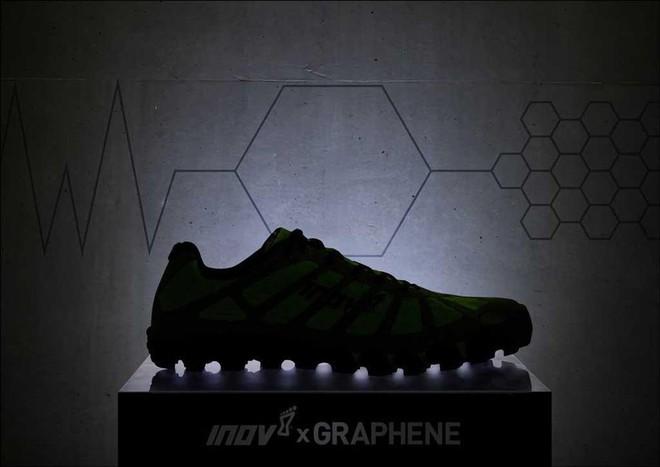 Inov-8 ra mắt đôi giày đầu tiên trên thế giới sử dụng vật liệu graphene - Ảnh 1.