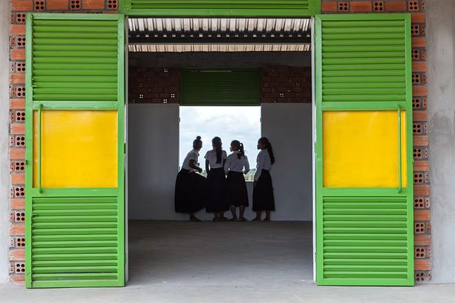Tầng thượng xanh tươi của KTS Việt lọt Top 10 công trình có tác động tích cực đến xã hội của năm 2017 do Designboom bình chọn - Ảnh 21.