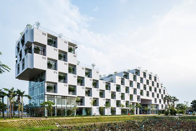 Đại học FPT do Võ Trọng Nghĩa Architects thiết kế lọt Top 10 công trình giáo dục tiêu biểu năm 2017 - Ảnh 1.